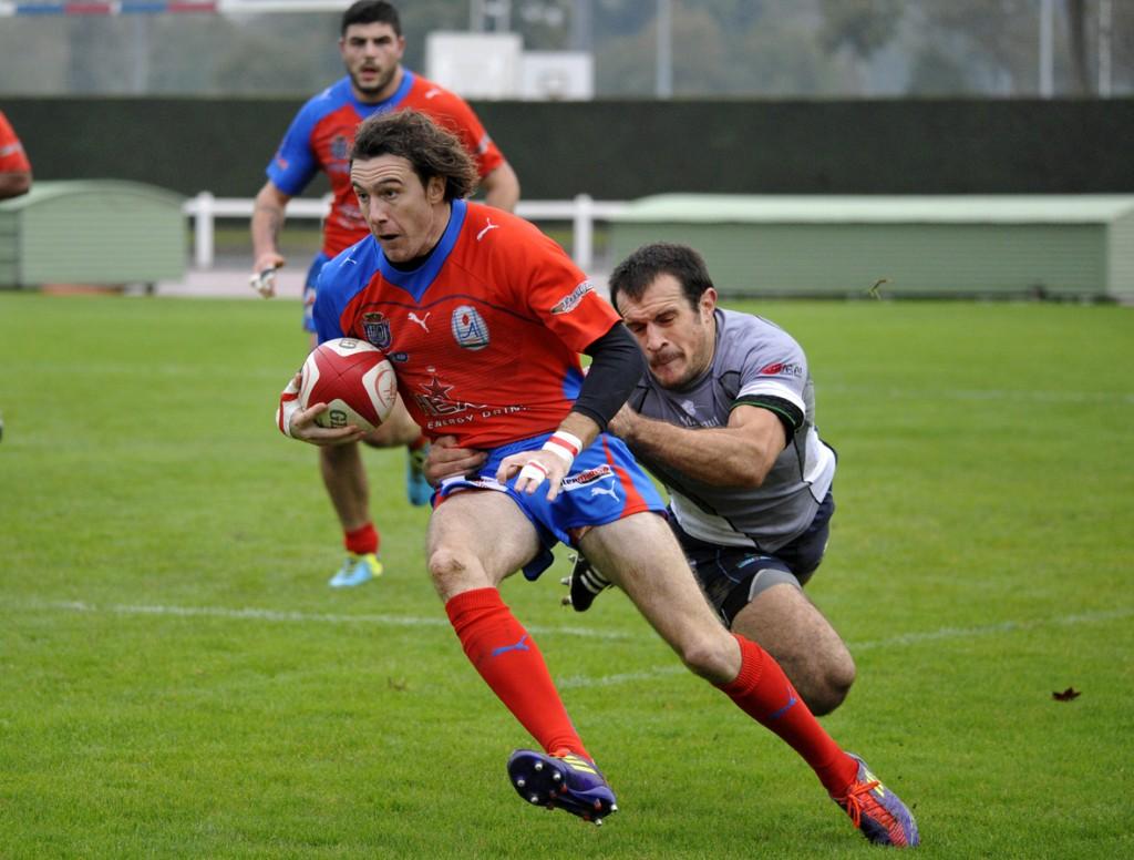 A l'aller, le capitaine Julien Langlade avait passé une ultime pénalité dans les dernières minutes pour offrir la victoire aux siens (17-15). Photo Jean-Louis Tastet