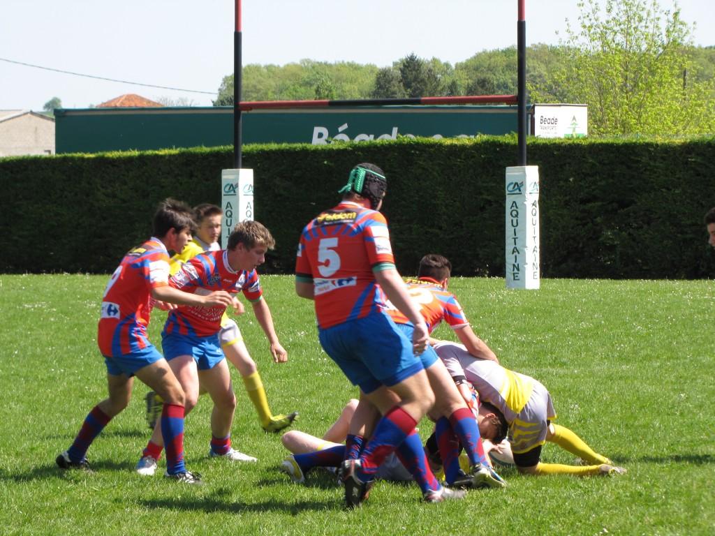 Les cadets ont largement dominé leurs adversaires de Laroque-Timbaut et sont en route pour les quarts de finale du championnat d'Aquitaine Teulière B. (Photo Bruno Pouilloux)