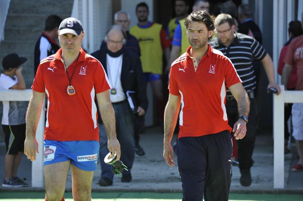 14. Les visages de Patrice Ducamp et Jérôme Labat, tendus avant le coup d'envoi du match de la dernière contre Castanet.