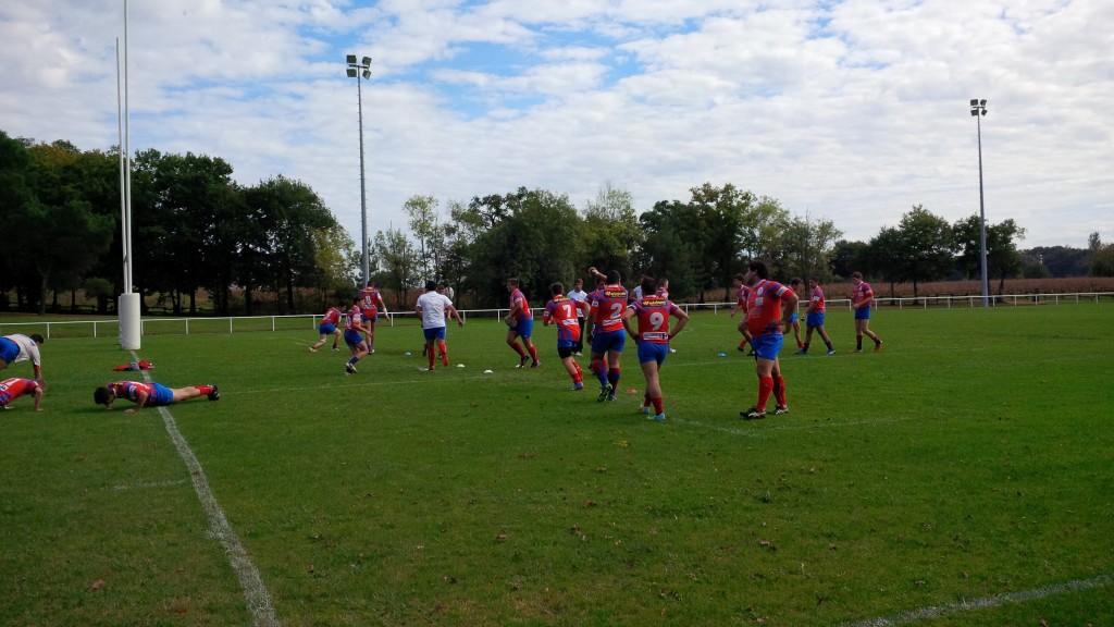 Les juniors à l'échauffement avant leur match contre Cestas.