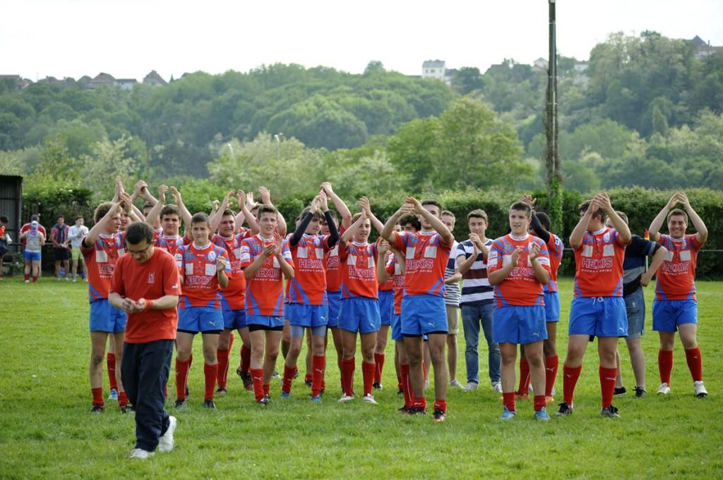 Les cadets après leur victoire en demi-finale contre Lons le week-end dernier. Photo Jean-Louis Tastet